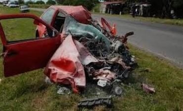 Vuelcos y colisión dejaron tres muertos en caminos de Ituzaingó y San Luis del Palmar