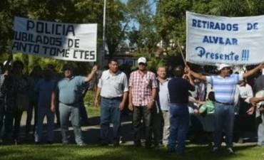 Reclamo de la regularizacion del salario: Policías cortaron rutas en el Interior