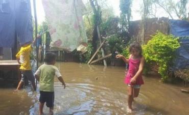 Se registró un leve descenso del río pero la situación sigue siendo crítica