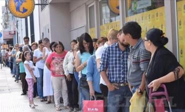 El jueves 25 arranca el pago a los empleados públicos