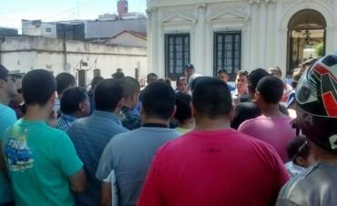 En la Policía abrieron fuego con pedido concreto: salario inicial de 25 mil pesos