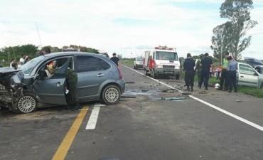 Falleció un hombre tras el choque frontal de dos vehículos en la Ruta Nacional 12.