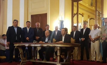 Valdés ratificó pedido del Pacto Fiscal y su política salarial que se aplicaría en marzo