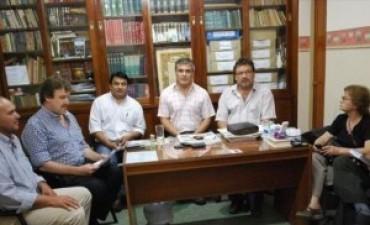 Gremios locales en alerta por falta de acuerdo salarial con la Nación