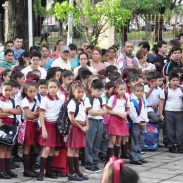 Corrientes y otras trece provincias abren ciclo lectivo con normalidad