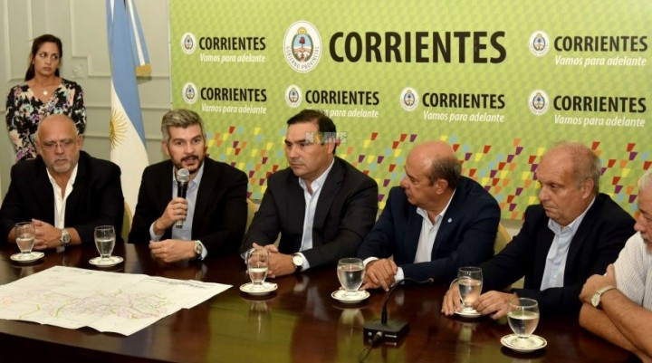 Con Marcos Peña, presentaron un plan hídrico pero no comprende a la Capital