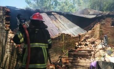 Una pelea entre carreros culminó con un apuñalado y el incendio de una vivienda