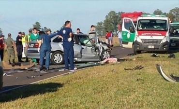 Ituzaingó: cinco muertos en el choque frontal de dos automóviles en Ruta 12
