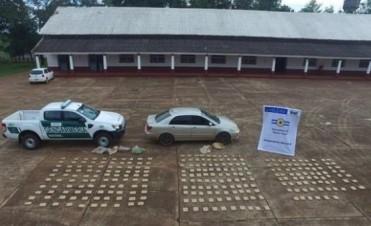Secuestraron más de 200 kilos de droga de un automóvil y un colectivo