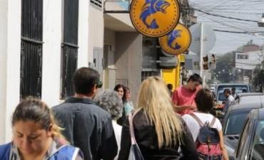 Provincia anticipa pago del plus de 2 mil pesos