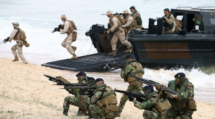 Militares Yanquis, en la frontera