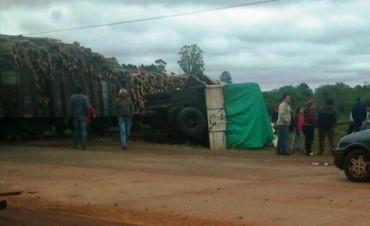 Santo Tomé: camioneta chocó tren de carga