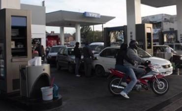 En un año las naftas aumentaron hasta un 49% en las bocas de expendio locales