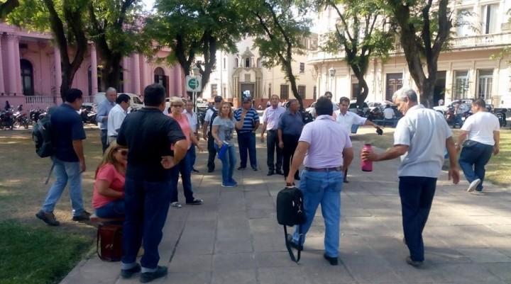 Policías retirados piden una reparación histórica salarial