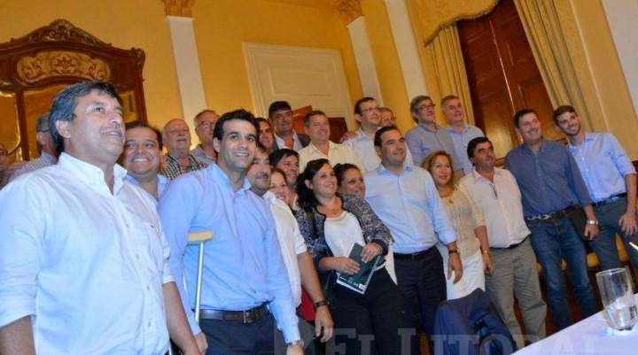 Valdés vuelve a reunir a intendentes para avanzar en una agenda común