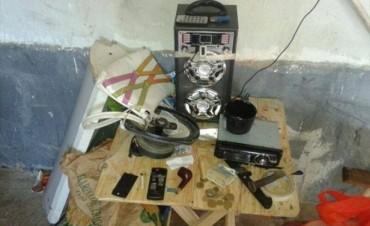 Hallan arma de fuego y droga en una casa del 17 de Agosto