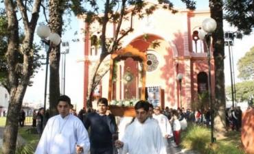 La Iglesia local expuso su unidad en la celebración de Corpus Christi