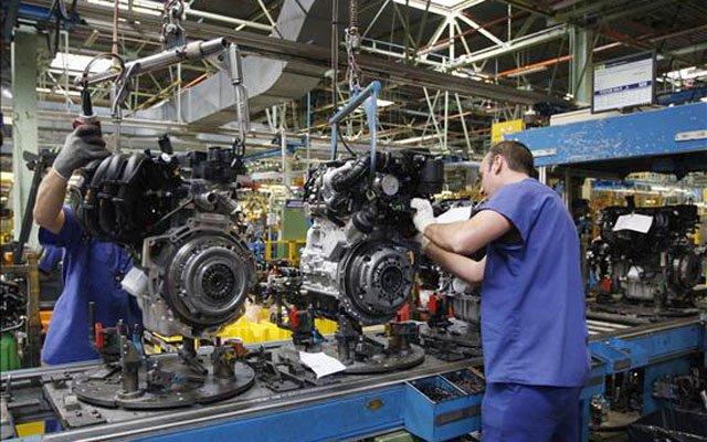 Sigue cayendo en picada la producción industrial y ya hablan de recesión