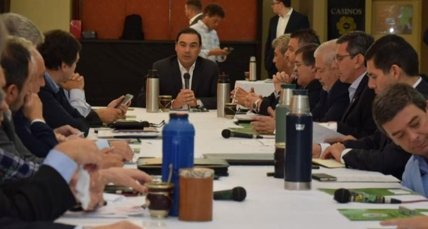 Gustavo Valdés prepara reunión de su Gabinete Ejecutivo en la capital