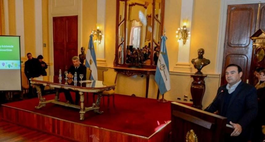 Valdés ratificó que habrá recomposición salarial para los empleados estatales