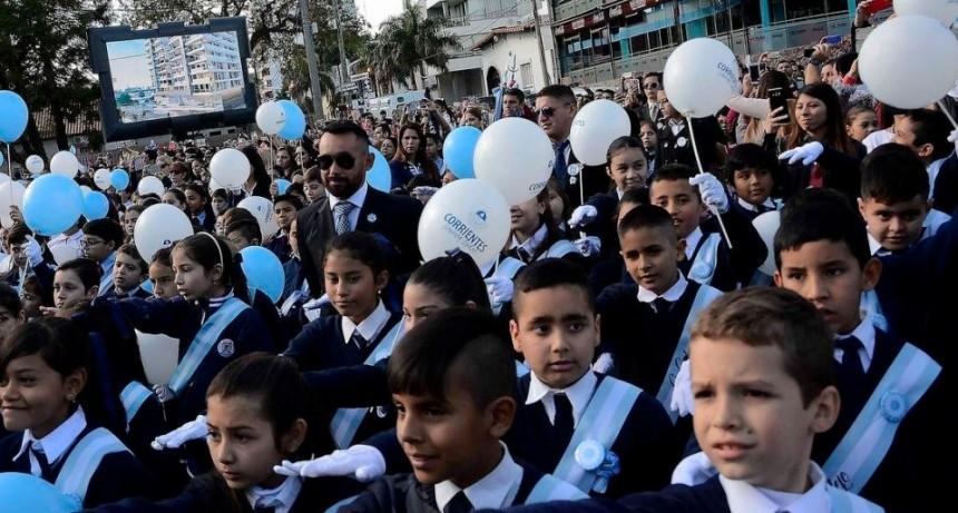 Valdés tomó juramento de lealtad a la bandera a más de 2 mil alumnos