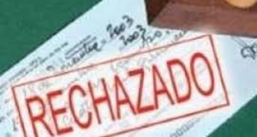 Alerta en el Gobierno por la cantidad de cheques rechazados por falta de fondos