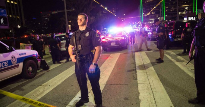 Asesinaron a 5 policías en protesta por violencia racial en Dallas