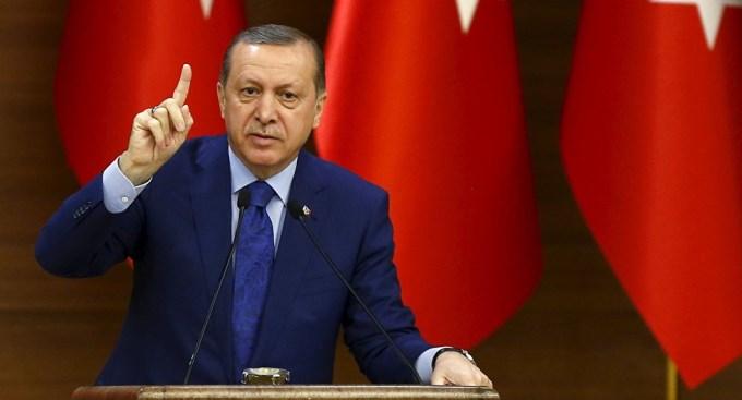 Erdogan tiró más nafta al fuego y pidió la pena de muerte