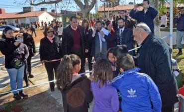 Inauguran plazas y anticipan mejoras barriales en Libres