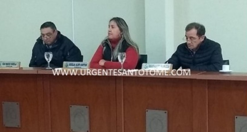 Cheques voladores: El oficialismo propuso que Garay explique por escrito, pero fue rechazado por el Concejo