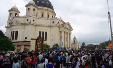 Cerca de 300 mil jóvenes del NEA marchan a Itatí