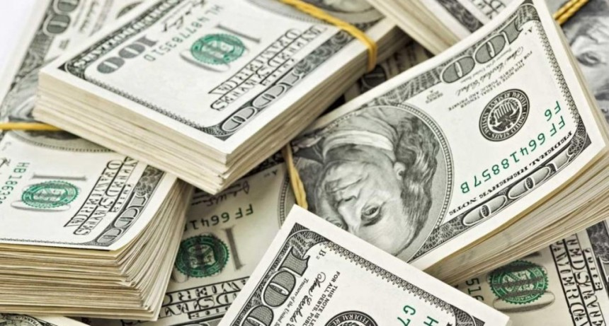 El dólar cerró arriba de $40
