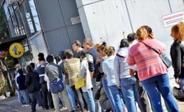 Desde el martes 27 pagan salarios a estatales provinciales