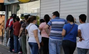 Provincia estudia bono navideño y definió pago de octubre con aumentos