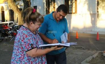 Docentes autoconvocados juntan firmas para modificar el proyecto de ley