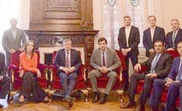 Amplia agenda de Valdés sin perder de vista a la coyuntura nacional