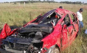 Despiste y vuelco de auto causó la muerte de sus 5 ocupantes