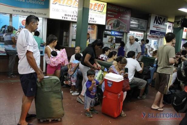 Para viajar a Brasil, se venden más pasajes en micro y menos paquetes