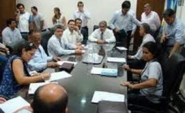 Docentes: gremios piden activar el diálogo en enero
