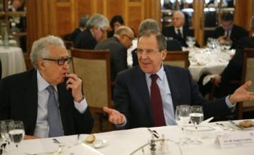 Negociaciones de paz para Siria listas para entrar en cuestiones políticas