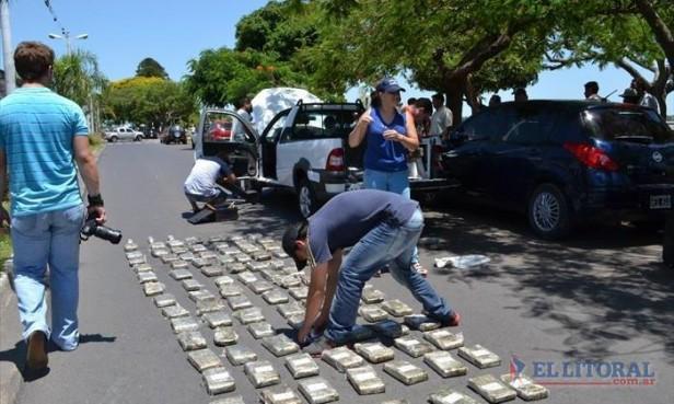 Con más de 110 kilos de marihuana interceptan un vehículo en plena ciudad