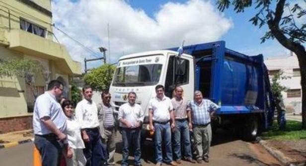 La Comuna estrena camión recolector y compactador
