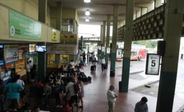 Hasta el lunes no hay pasajes de ómnibus para Córdoba, Mendoza, Rosario y la costa atlántica