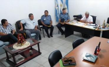 El ministro Pedro Braillard escuchó a los vecinos y prometió una pronta respuesta