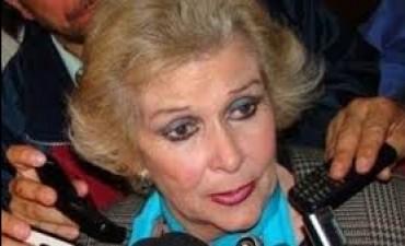 Josefina, la senadora con más ausencias en el Congreso