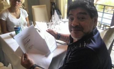 Fidel Castro le envió una carta a Maradona, que está en La Habana