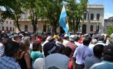 Policías retirados aceptaron una tregua hasta el lunes bajo el compromiso de una reunión con Piasentini