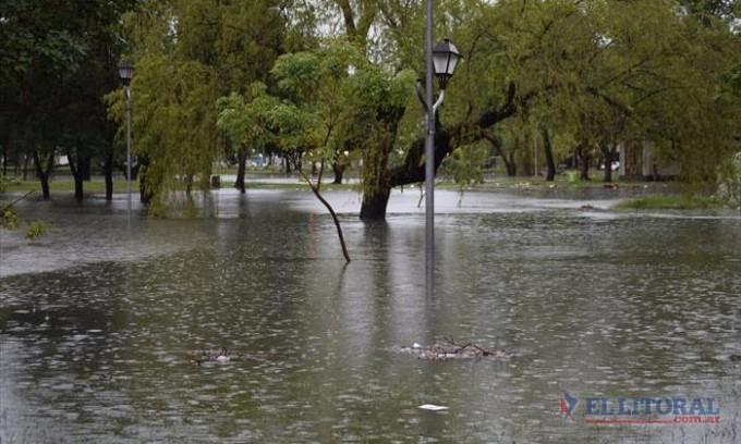 Una fuerte tormenta de 140 milímetros de lluvia volvió a colapsar a la Capital