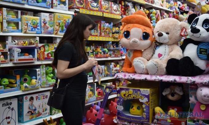 Poca venta de juguetes en la víspera de la llegada de los Reyes Magos, con artículos desde los $200