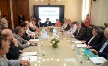 Vara obtuvo $32 millones para créditos a productores inundados
